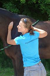 Anna Herba - właścicielka firmy Hipo-Fit, prowadzi masaż dla koni
