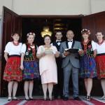 Powitanie w ludowych strojach Państwa Młodych Dwór Maria Antonina