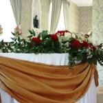 Udekorowany stół weselny