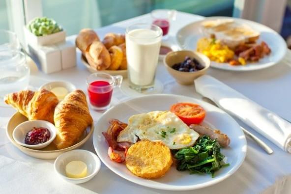 Śniadania 25% taniej w listopadzie
